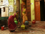 Communal water pump Madurai 1.jpg