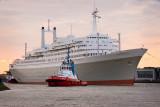 Return of the ss Rotterdam (V)