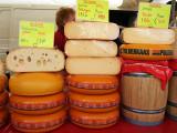 cheeses vary from young (jonge kaas) to mature varieties (belegen kaas)