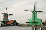 (left) De Kat - Paint Mill; (right) De gekroonde Poelenburg - Saw mill