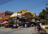 Small temple on west Bayintnaung Road, Mandalay