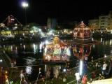 Holistic view of the Gopuram, nEErAzhi mandapam and  sri chakravarthi thirumagan in theppam.jpg