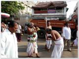 4-mudaliyandan sveekaram by a devotee2.jpg