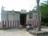 Temple with Deepa pilllar and bali peetam.JPG