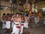 09-Udayavar in gangai kOndan mandapam during purappadu.JPG