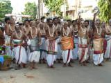 Divya prabanda gOshti throwing the uttariyam on udayavars avataram day.JPG