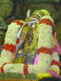 Maamunigal with Varadan Uduthu kalaindha Thirumaalai and Thirupariyattam.JPG