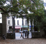 The exit/entrance at rue Linné