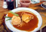 Chicken estofado with almond sauce