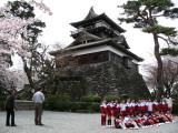 Posing in front of Maruoka-jō's donjon