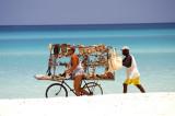People Varadero Vendor Pushcart 6-6-002-25.jpg