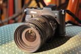 Nikon 1 V1 mit Objektiv Nikkor 18 - 200