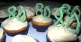 80th cupcakes