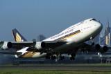 SINGAPORE AIRLINES BOEING 747 400 SYD RF 1714 1.jpg
