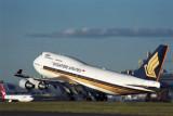 SINGAPORE AIRLINES BOEING 747 400 SYD RF 1409 19.jpg