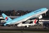 KOREAN AIR BOEING 777 200 SYD RF IMG_0150.jpg