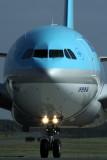 KOREAN AIR AIRBUS A330 200 BNE RF IMG_0541.jpg