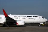 QANTAS BOEING 737 800 SYD RF IMG_0980.jpg