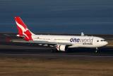 QANTAS AIRBUS A330 200 SYD RF IMG_1109.jpg