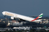 EMIRATES BOEING 777 300 DXB RF IMG_1660.jpg