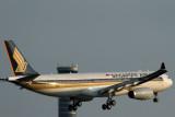 SINGAPORE AIRLINES AIRBUS A330 300 BKK RF IMG_2330.jpg