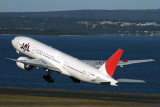 JAPAN AIRLINES BOEING 777 200 SYD RF IMG_3645.jpg
