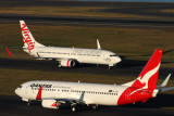 QANTAS VIRGIN AUSTRALIA 737 800S SYD RF IMG_3548.jpg