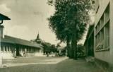 Cour de l'école de la République en 1960
