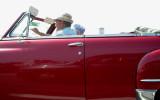 102 Vieille voiture photographiée en roulant