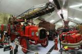 Sur la gauche, un camion de pompiers de la marque Delahaye - MK3_2115 DxO.jpg