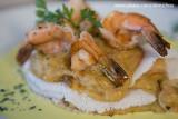 Gostinho da Terra. Folheado de tapioca, recheado com creme de siri e camarão, acompanhado de camarões grandes Ponta Pirambu_8293
