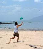 Frisbee on Isla Taboga