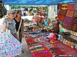 Shopping for souvenirs in Casco Viejo
