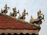 Wat roof figures