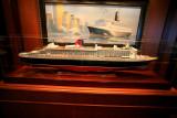 QUEEN VICTORIA Commodore Club Queen Mary 2 Model