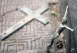 IMG_5296 loss of faith?  Cementerio del la Recoleta, Jan 24