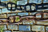 Adoquines y cadenas