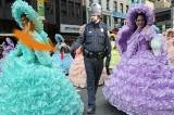 pepper spraying cop at thanksgiving parade in new york 2011.jpg