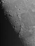Luna, zona de montes Apeninos y Caúcaso