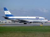 B737-200  HR-TNR