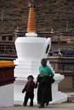 Rounding Stupas 轉塔