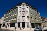 Prédio na Rua do Vale do Pereiro, nº 2 - 2C (Arqt. Pardal Monteiro)
