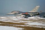 F-16B J-208