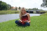 Amy Vitale reading