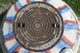 Colorful manhole (Mar)