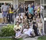 The whole fam-damily