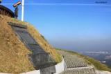 On the way to the top of Kosciuszko Mound