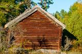 Fina gamla byggnader står kvar sen Kalle & Klaras tid på ön.