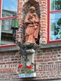 Staande Maria met Kind - Braambergstraat 16