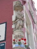 Maria met Kind (koningin) - Zuidzandstraat 1